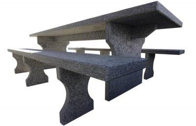 tavolo in serizzo